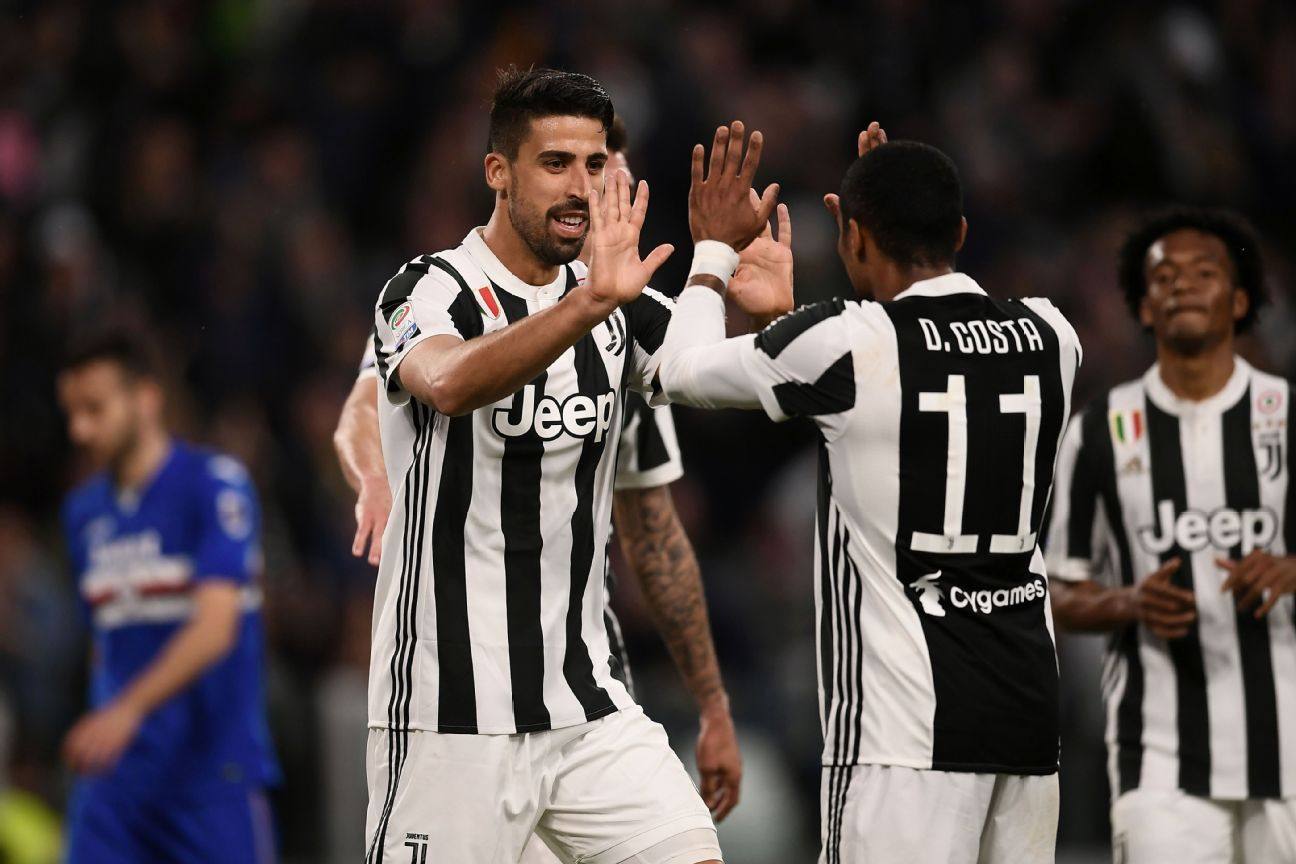 Douglas Costa delivered three assists in Juve's win vs. Sampdoria.
