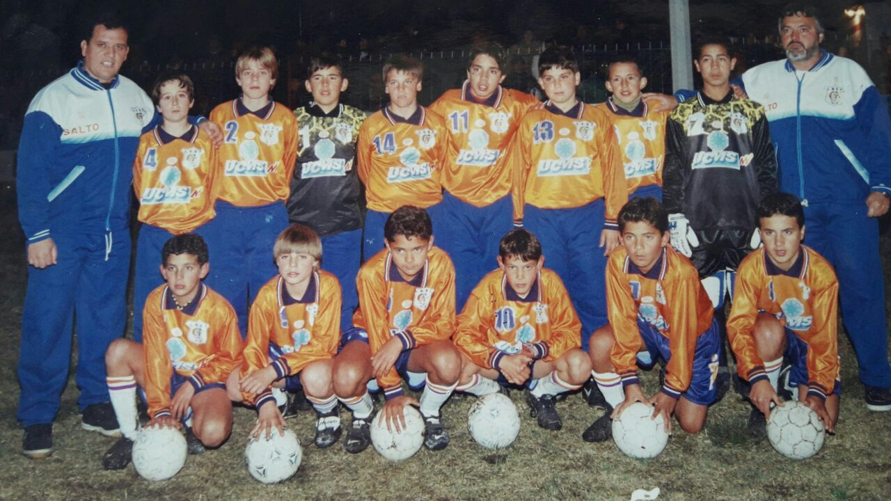 Edinson Cavani (bottom row, third from the right) in his youth team days.