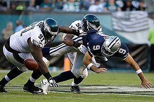 Cowboys envian a Tony Romo a lista de reservas lesionados temporal