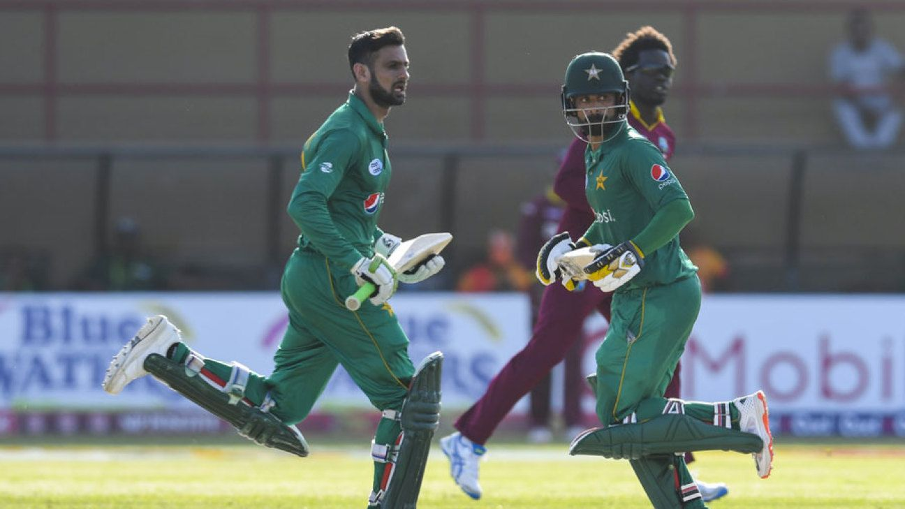 Malik, Hafeez dropped from PCB's pruned annual contracts