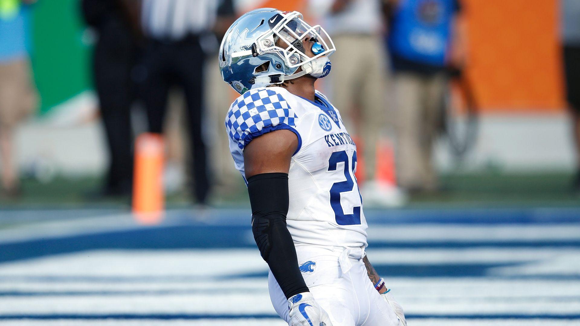 Snell breaks Kentucky rushing record in win - ESPN Video 1a338e046