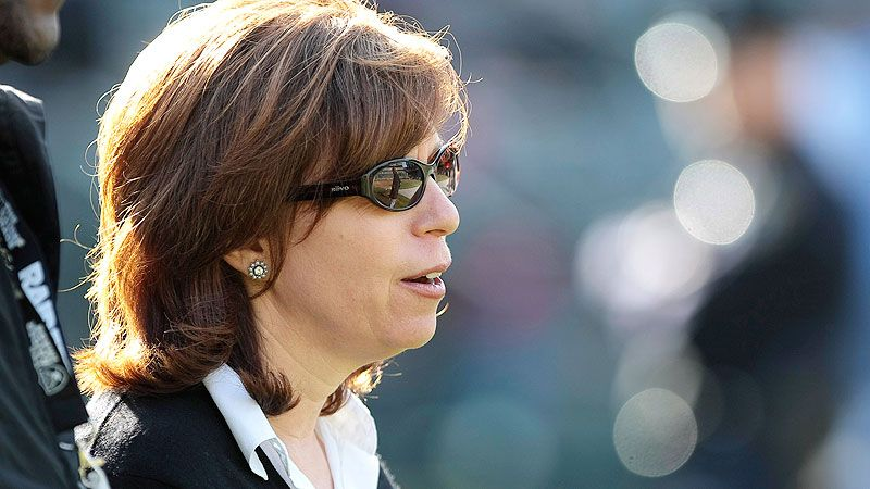 Amy Trask embraces 'negotiating like a girl' in the NFL