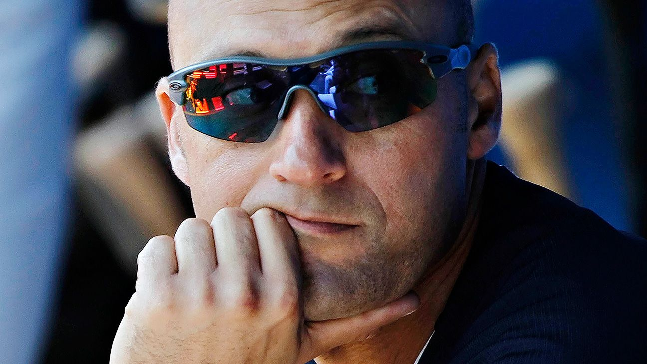 HOF voter who snubbed Jeter keeps ballot private