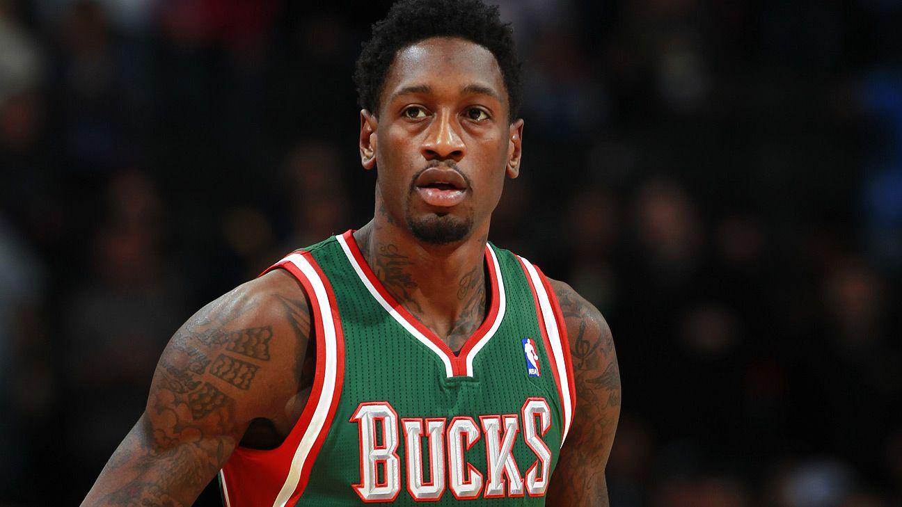 Sources: Bucks seeking buyout