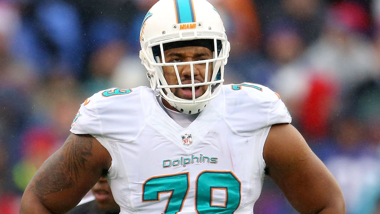 Dolphins ban Shelby indefinitely after arrest