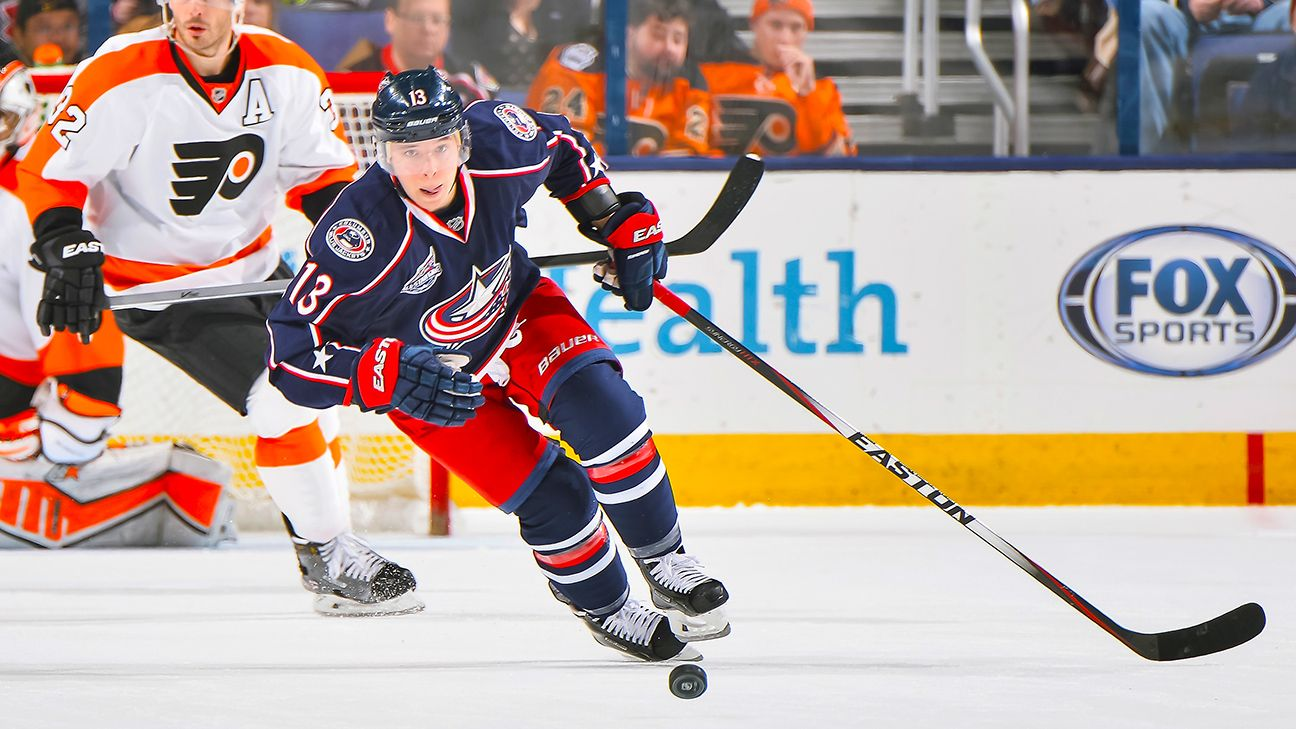5fc0ce87a1e Cam Atkinson of Columbus Blue Jackets signs 3-year extension
