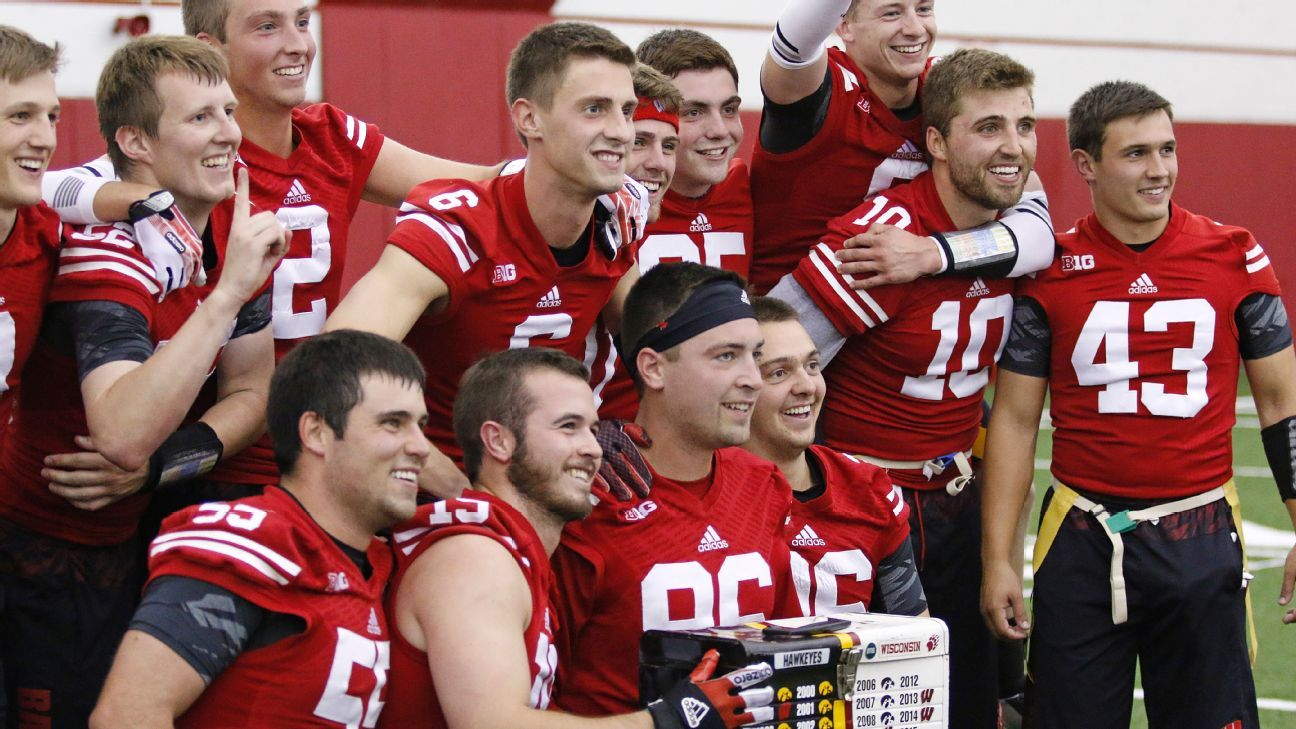 Battle Between Student Managers For Wisconsin Badgers And Iowa Hawkeyes The Stuff Of Legend