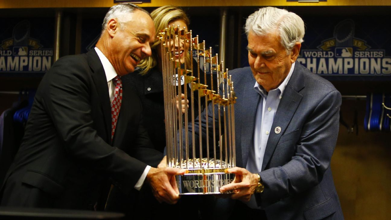 Former Kansas City Royals owner David Glass dies at 85