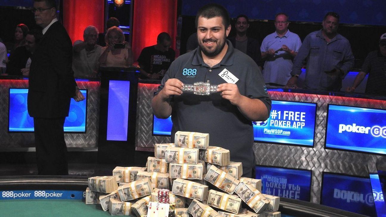 56a888822 Scott Blumstein wins 2017 World Series of Poker main event, $8.15 million  purse