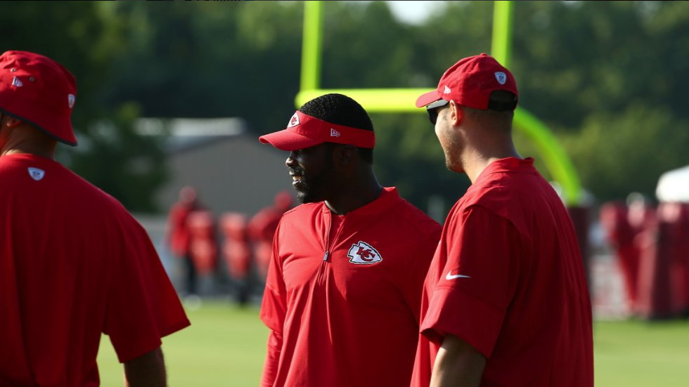 Swell Michael Vick Wants To Coach Working With Kansas City Chiefs Bralicious Painted Fabric Chair Ideas Braliciousco