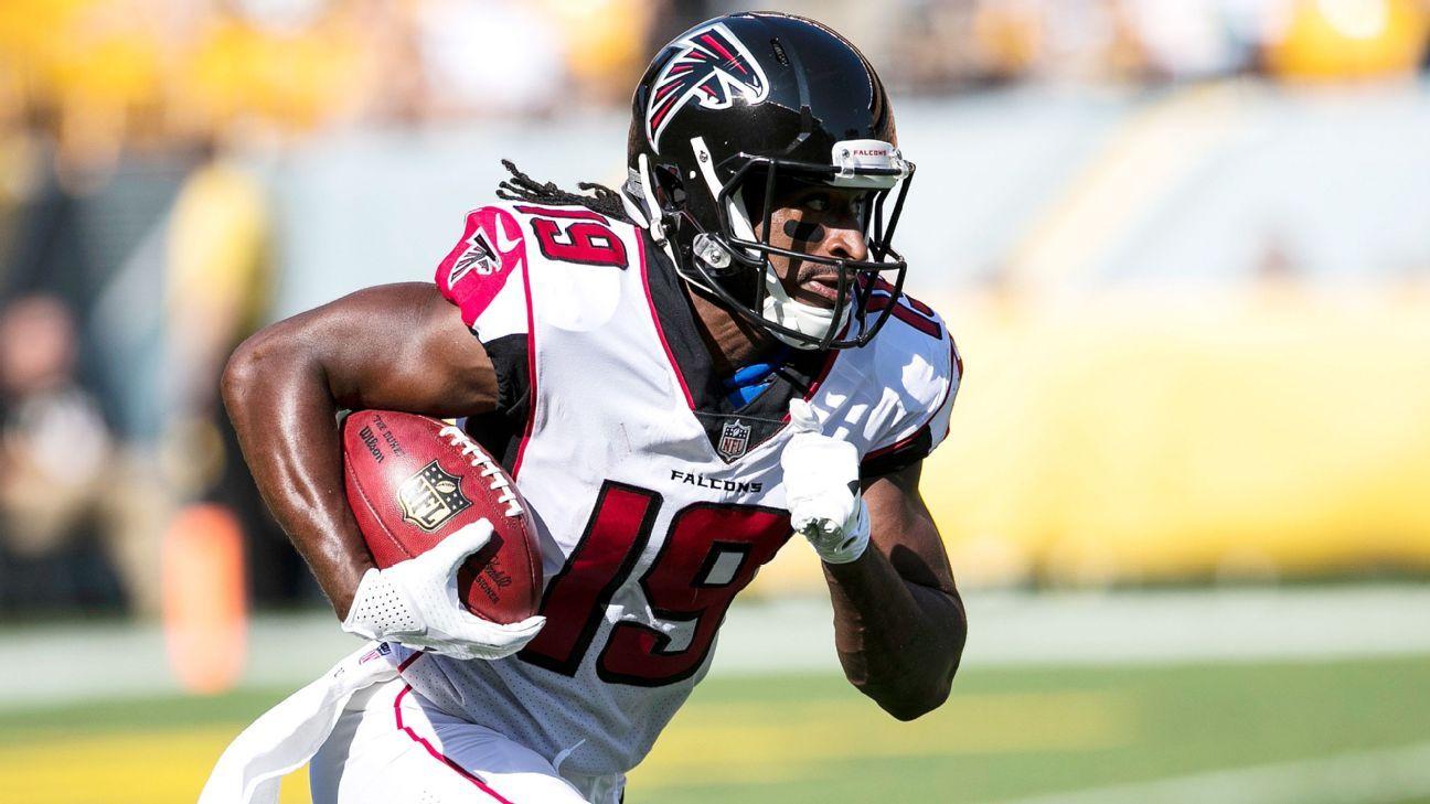 Falcons WR Roberts wins NFL service award