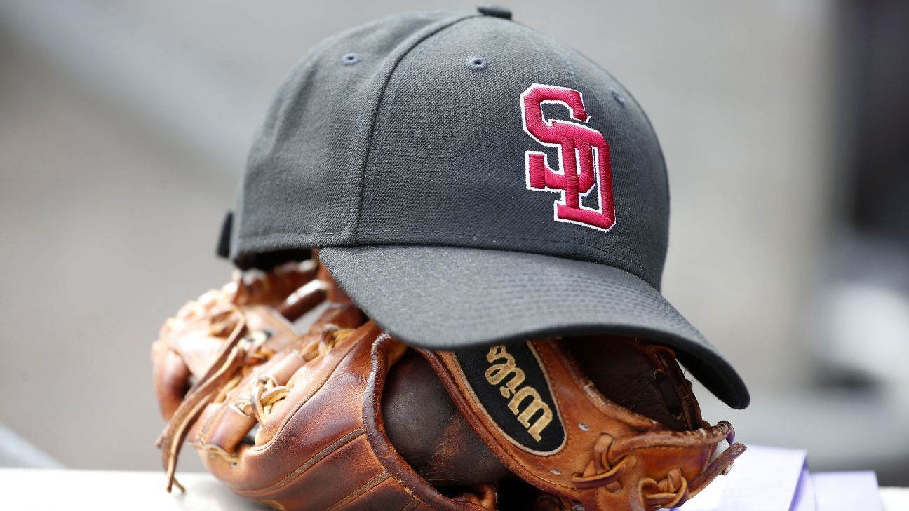 7c267964a72 MLB teams honor Stoneman Douglas High School shooting victims by wearing   SD  hats