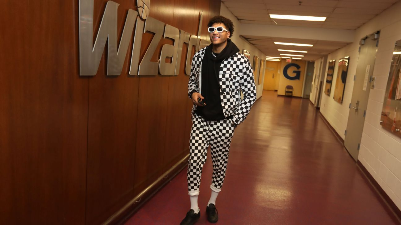 Kelly Oubre shares game day outfits and shows off his ...