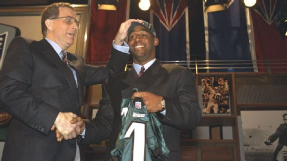 Yep The 1999 Nfl Draft Was Just As Crazy As You Thought
