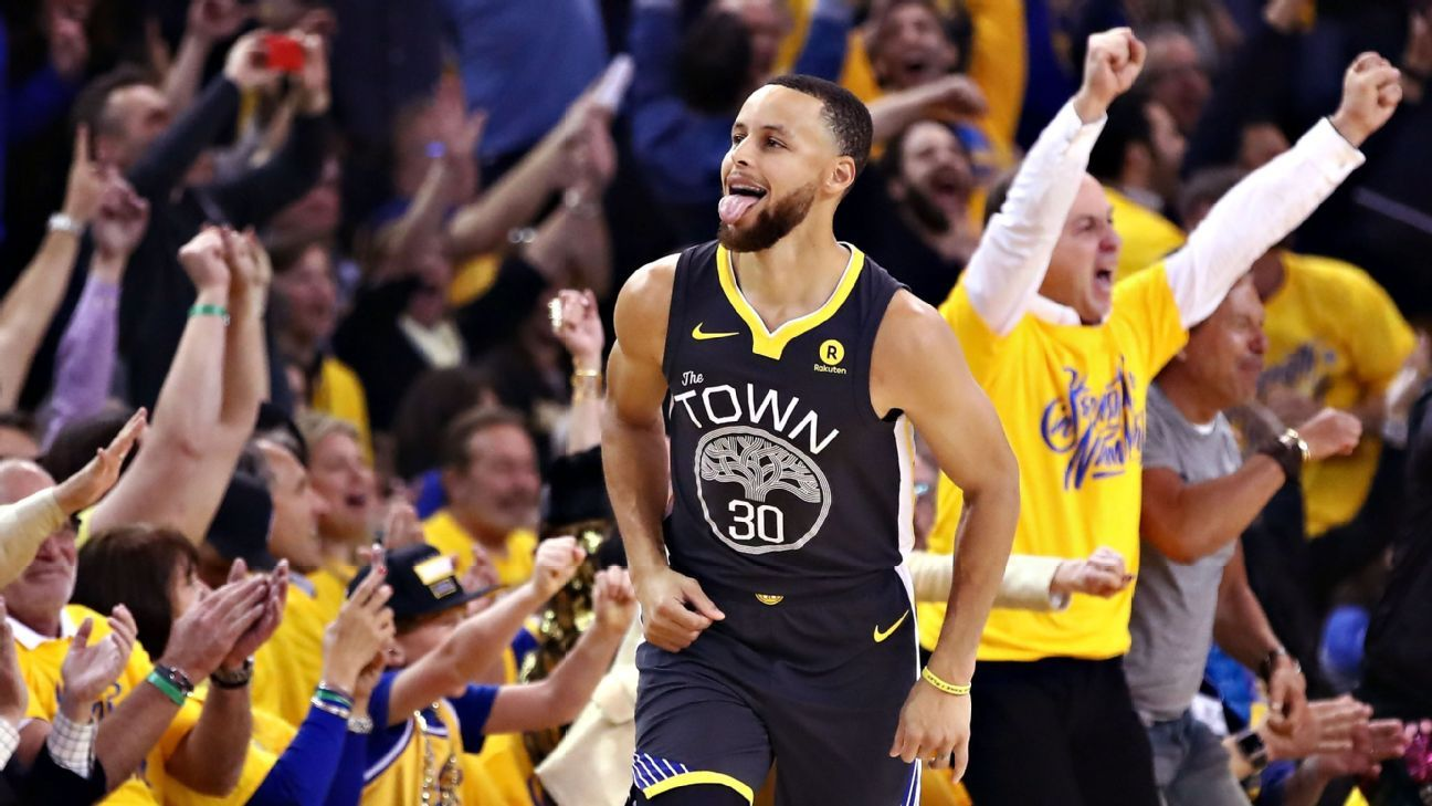 015a599df35 Golden State Warriors guard Stephen Curry returns in Game 2 win over New  Orleans Pelicans