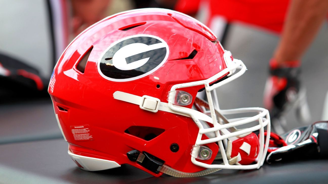 Georgia quarterback D'Wan Mathis is expected to make a full recovery after undergoing surgery Thursday to remove a cyst from his brain.