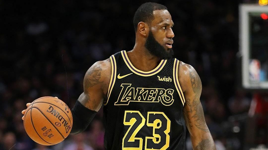 NBA  LeBron assina com o Los Angeles Lakers por 4 anos a70567d55385d