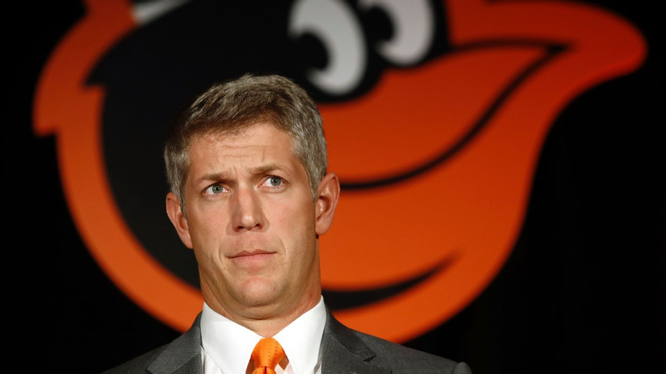 Orioles GM Elias starts cleaning house, fires 11