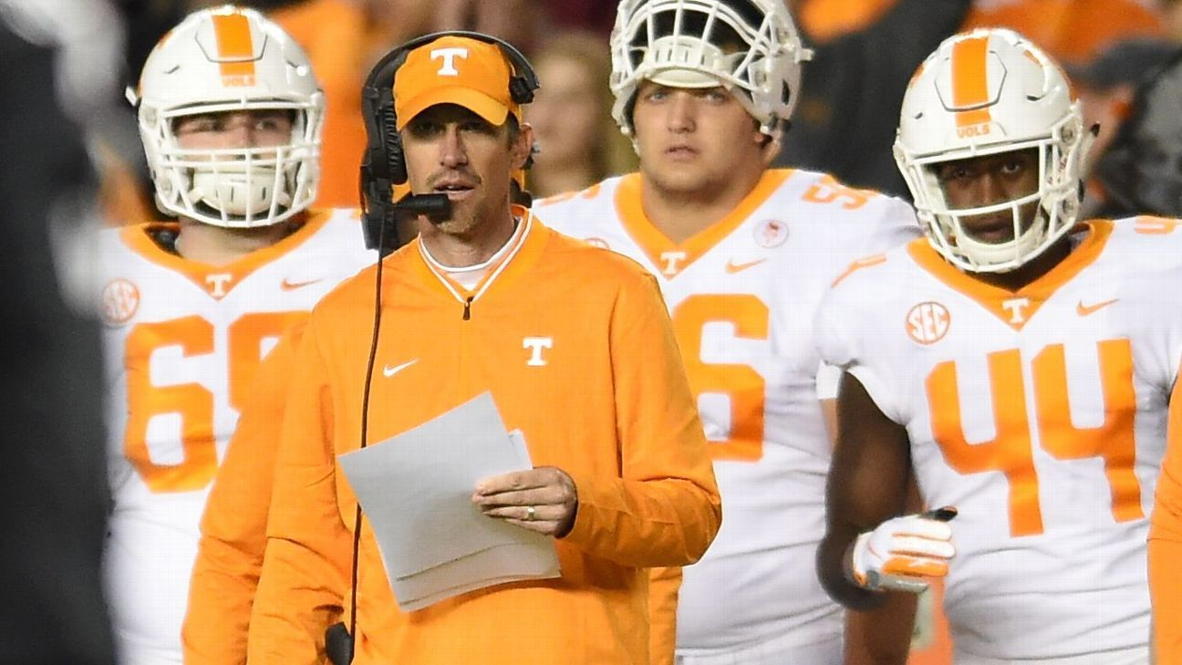 Western Kentucky hires Tyson Helton as coach