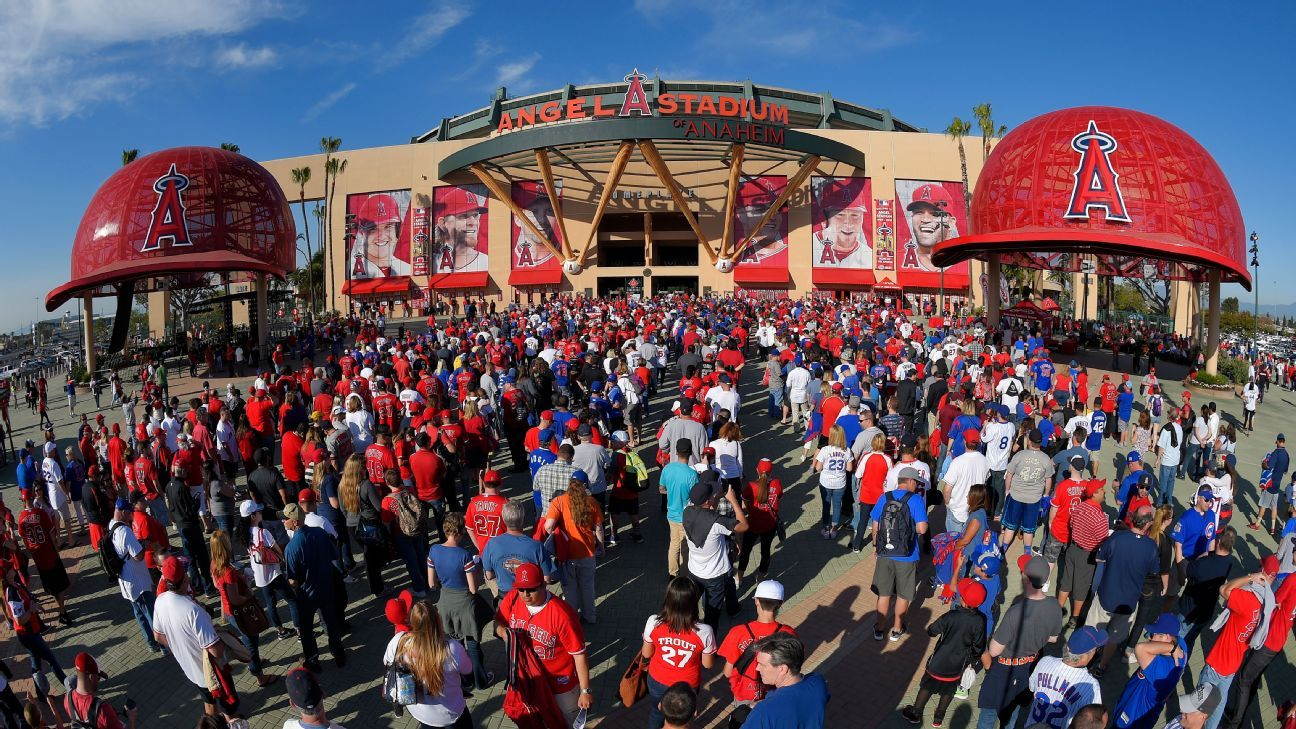 The City of Anaheim voted in favor of a one-year extension of the Angels' stadium lease. The club will play in Angel Stadium through 2020.
