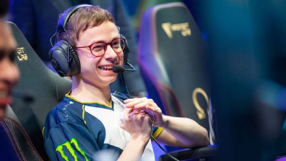 League of Legends -- The top 20 players at the Mid-Season
