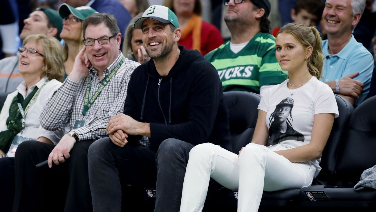 Packers quarterback Aaron Rodgers and Brewers outfielder Christian Yelich joined Packers lineman David Bakhtiari in beer chugs at the Bucks game Thursday night.