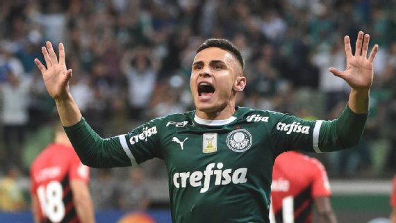 92f21b814ee51 Palmeiras vence Athletico com gol de Raphael Veiga e dispara ainda mais na  liderança