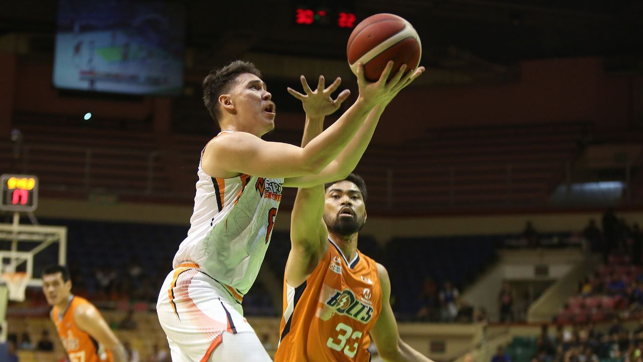 Batang Pier finish elims at 9-2 thanks to Bolick's clutch lay-up