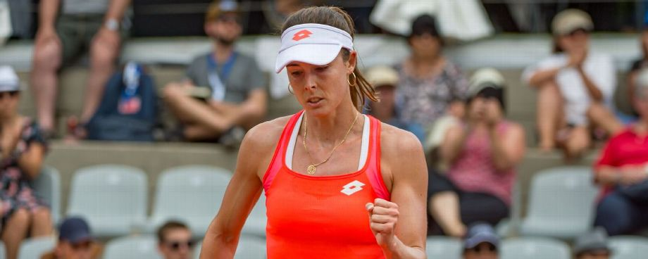 Cornet sets up all-French final with Ferro at Swiss