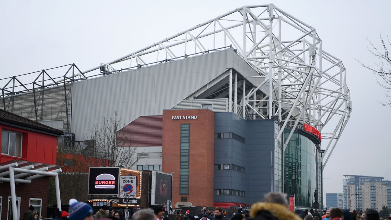 Sources: Manchester United expect to break world record shirt deal