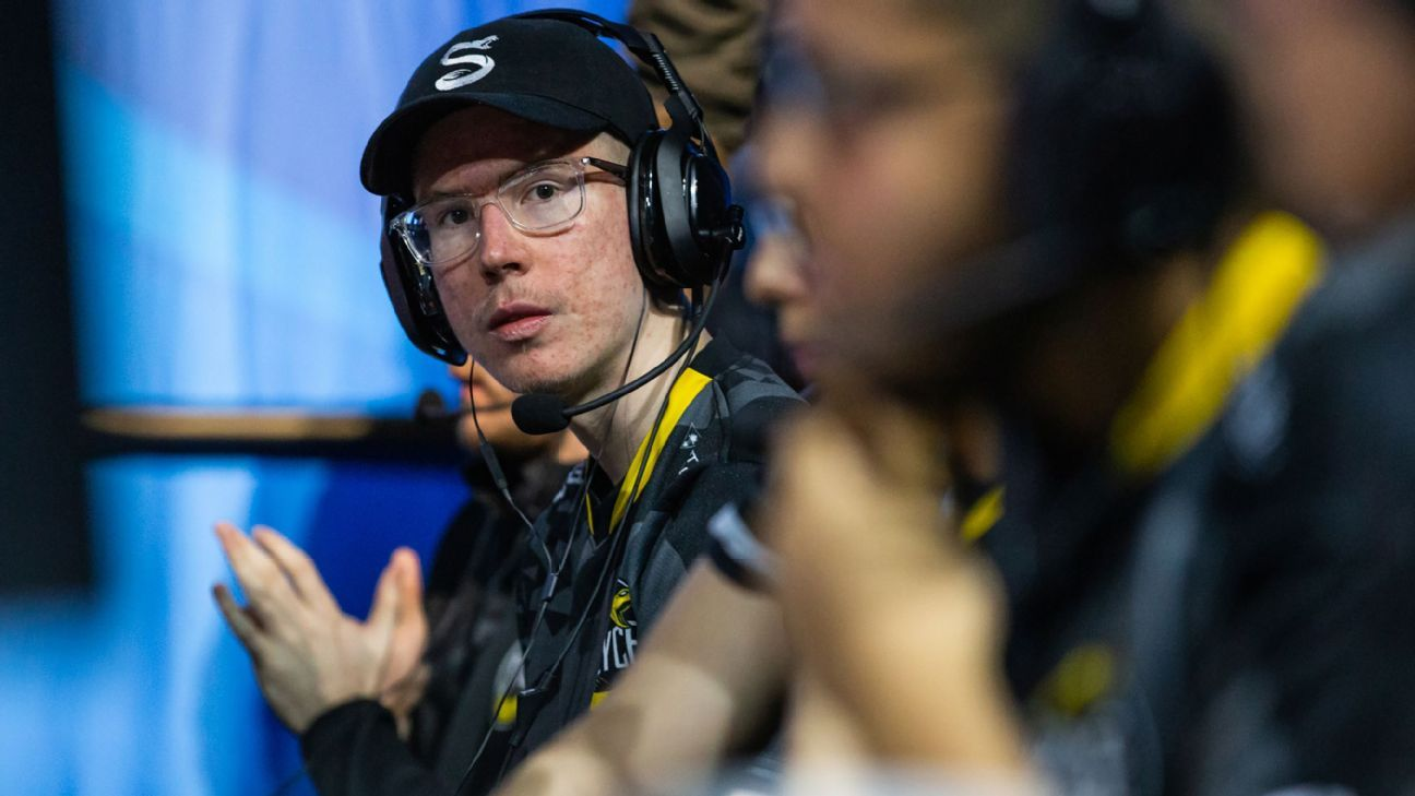 Eight teams perfect in pool play at CWL Championship