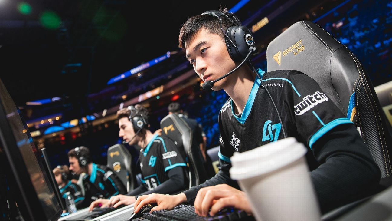 CLG reverse-sweep Clutch for third in LCS
