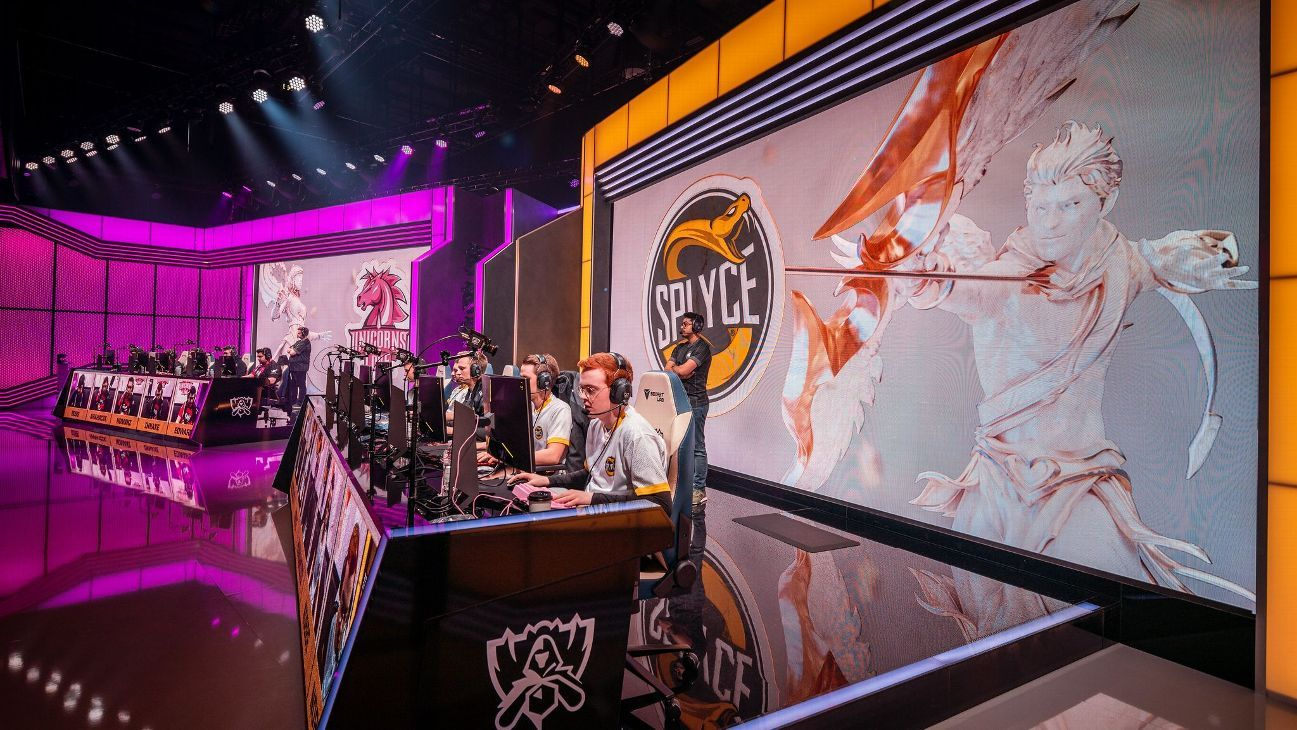 Splyce overcomes Unicorns of Love at the League of Legends World Championship