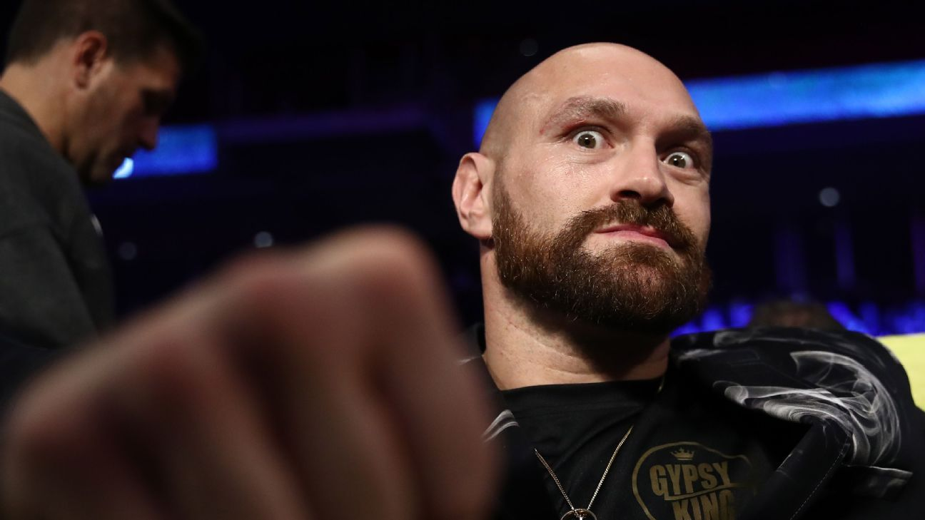 Tyson Fury: Conor McGregor has offered to train me in MMA