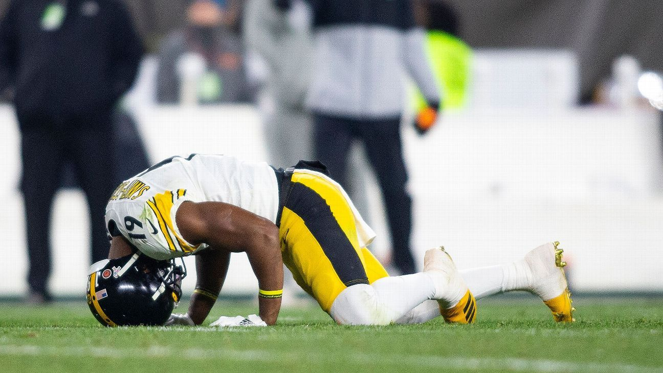 Steelers WR JuJu Smith-Schuster aggravates knee, likely out Sunday