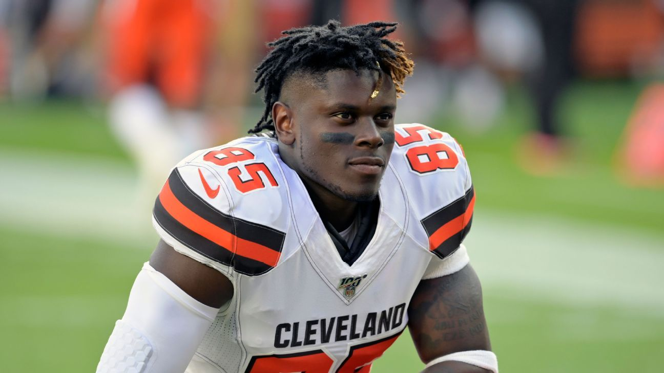 Cleveland Browns TE David Njoku asks for trade, agent says