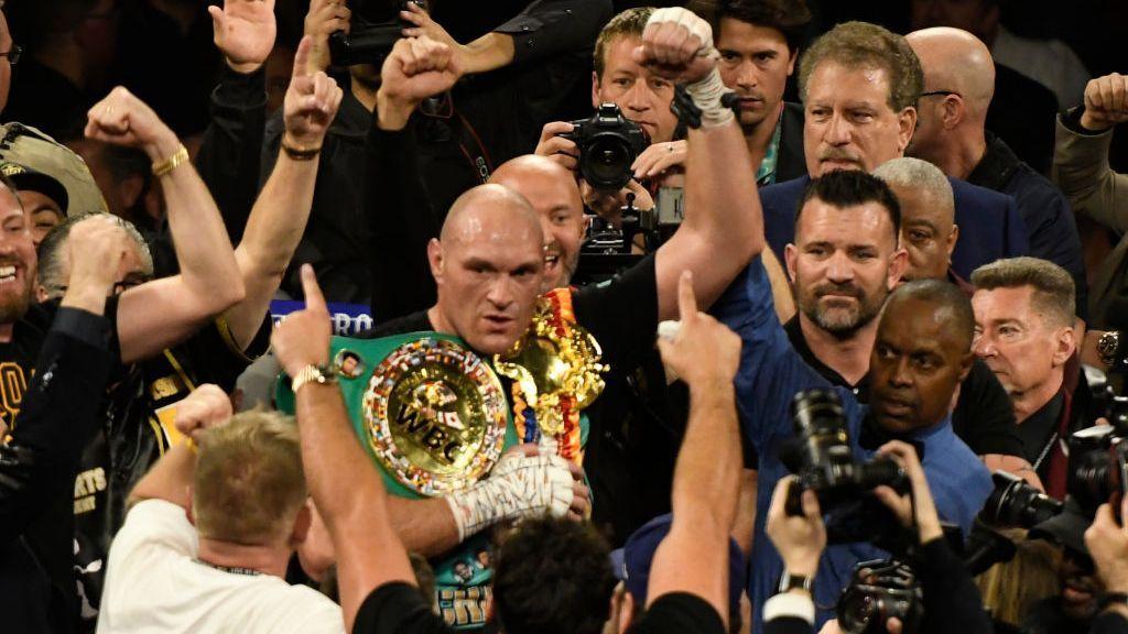 Tyson Fury revela acercamiento para posible exhibición con Mike Tyson