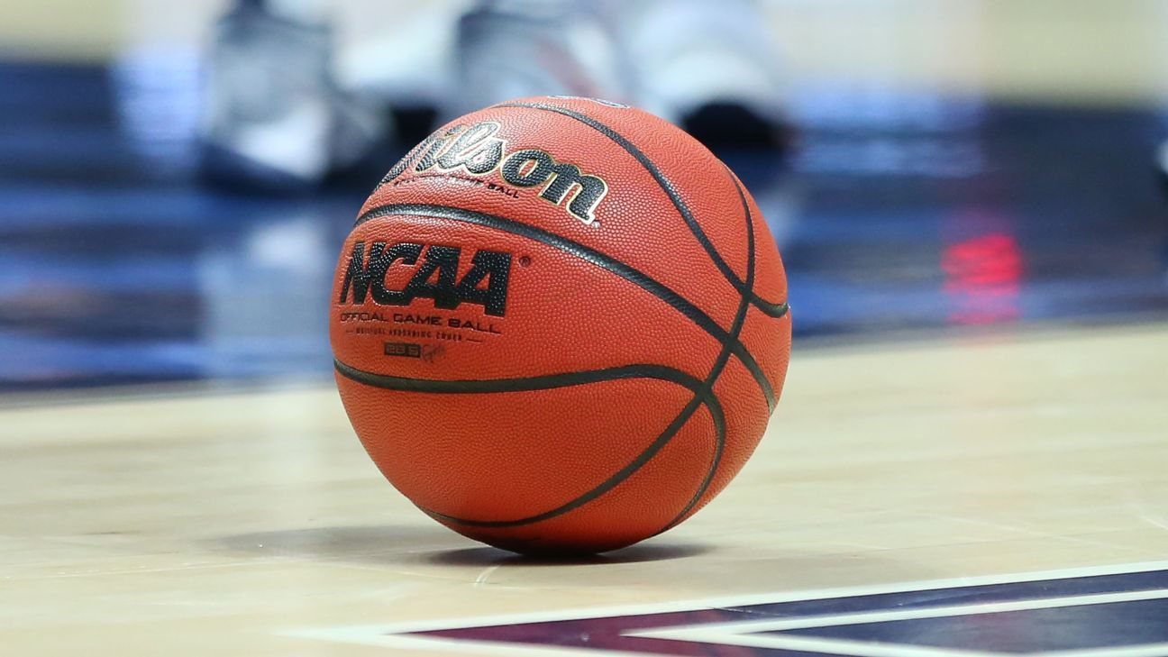 Bluefield College basketball players to stay in locker room during anthem to avoid having 'season taken away from us' - ESPN