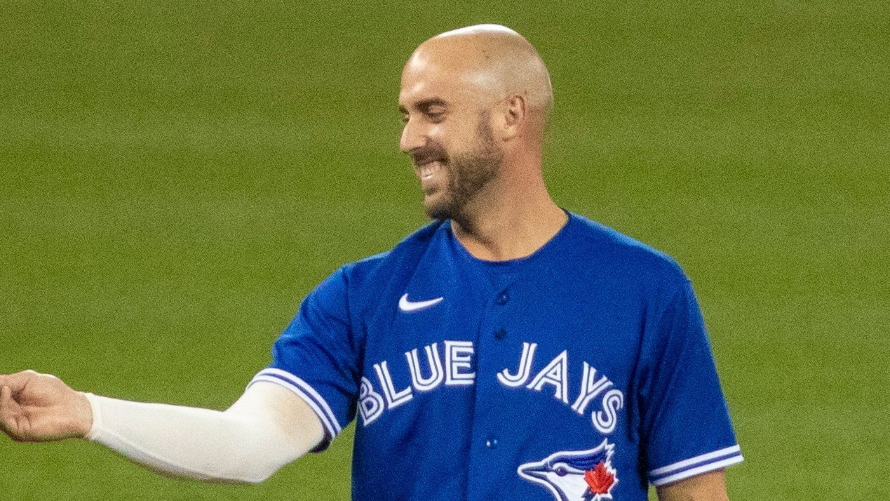 Shaw sorry for tweets criticizing Blue Jays' plan