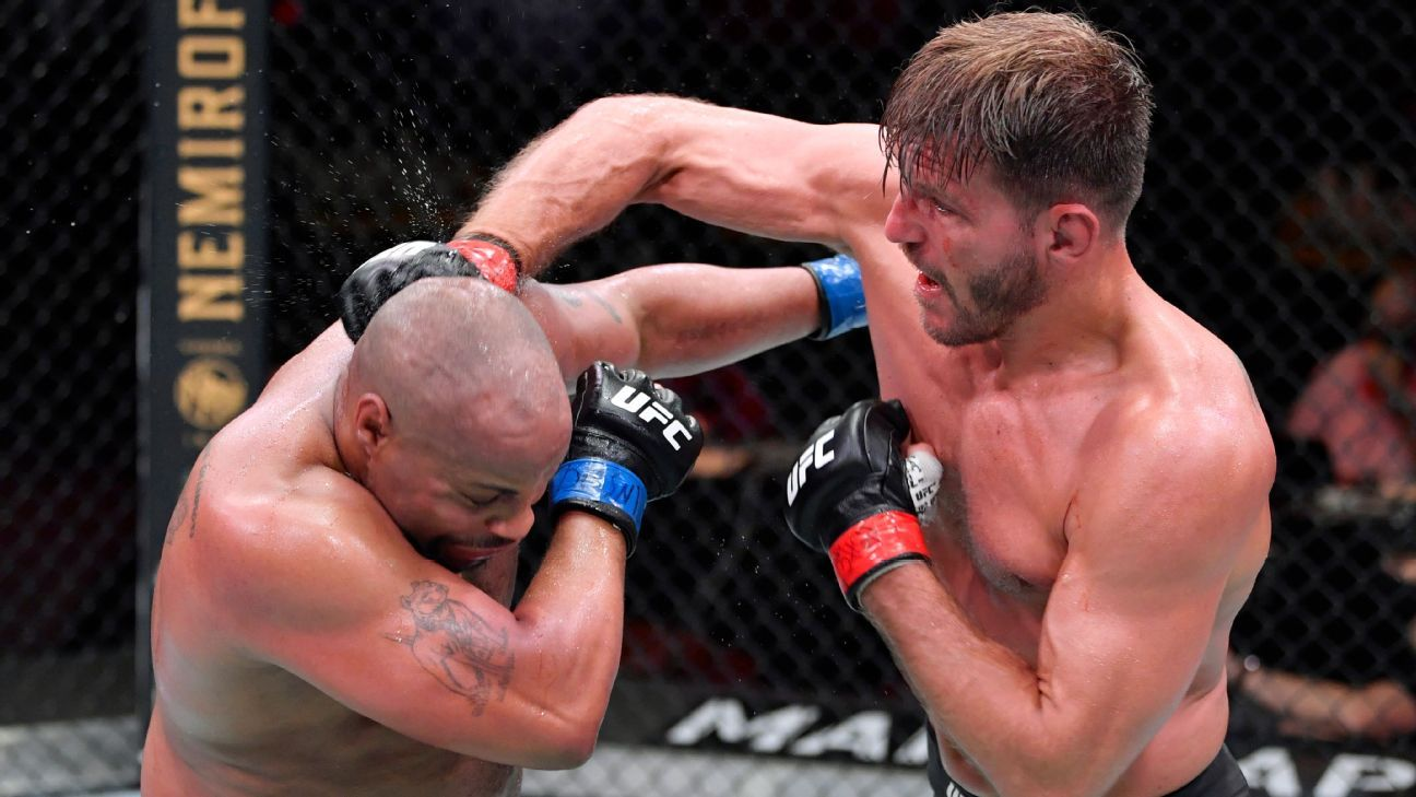 Ufc 252 Takeaways A Look At Daniel Cormier S Legacy Biggest Winners Of The Night