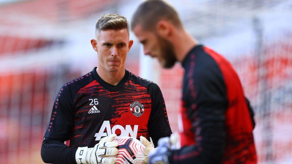 Manchester United: Lleva 9 años en el club, gana más que Alisson y por fin debutó