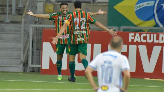 Serie B Cruzeiro Perde Por 2 A 1 Para O Sampaio Correa No Mineirao E Se Afunda Na Zona Do Rebaixamento