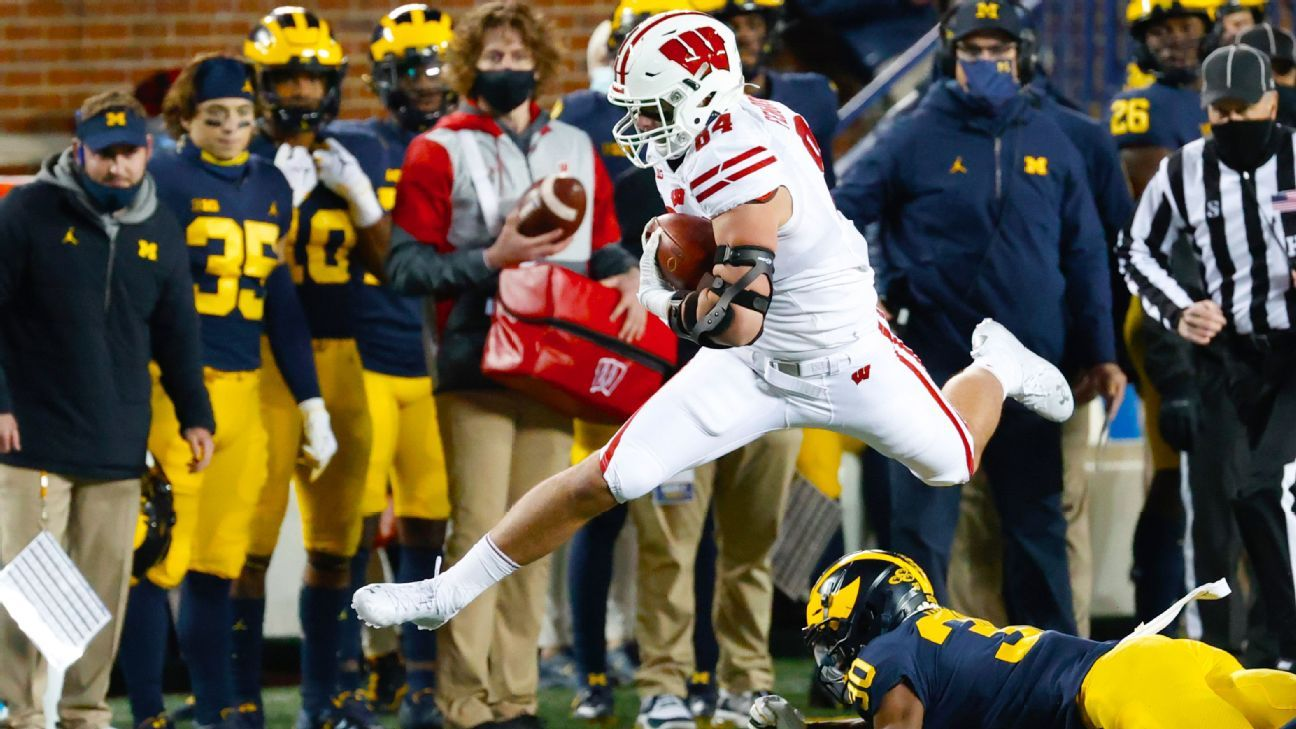 A mind-boggling Big Ten, QB drama and fake spikes are all we needed in college football Week 11