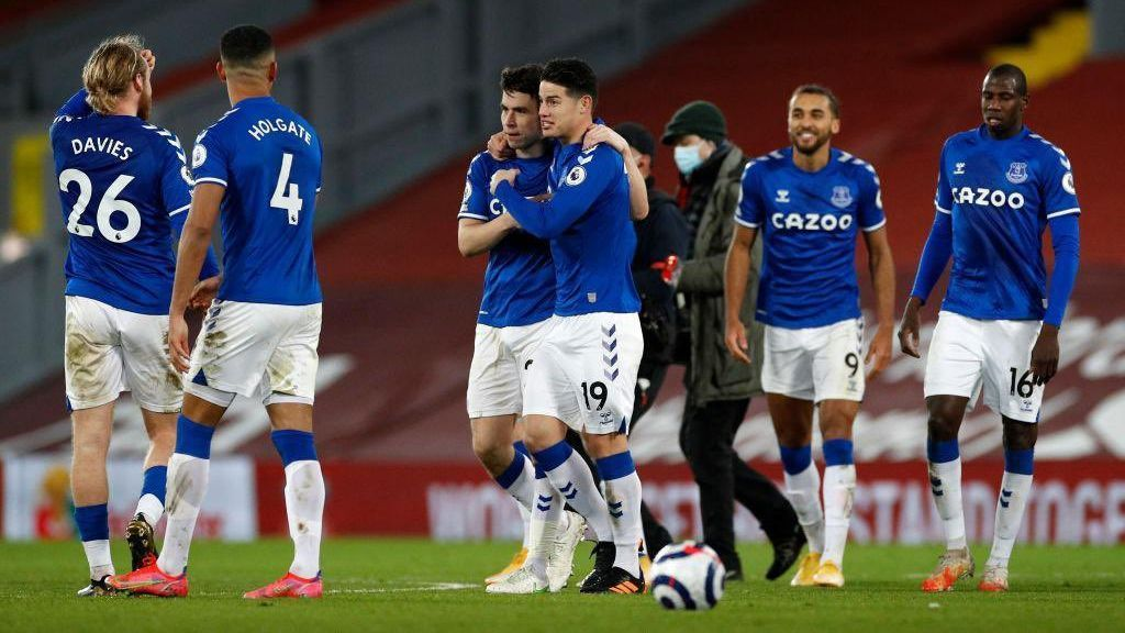A pesar de la irregularidad, la histórica victoria ante Liverpool relanza a Everton hacia Europa