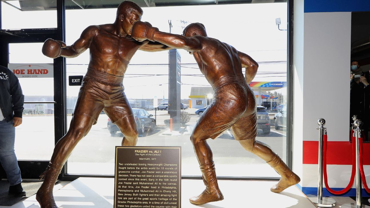 Frazier feted with statue, mural in Philly area thumbnail