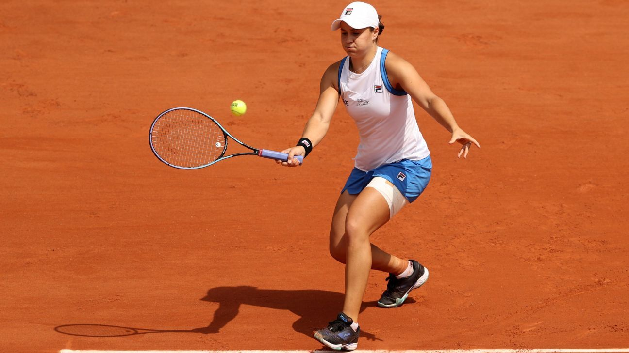 Hip injury forces No. 1 Barty to withdraw in Paris thumbnail