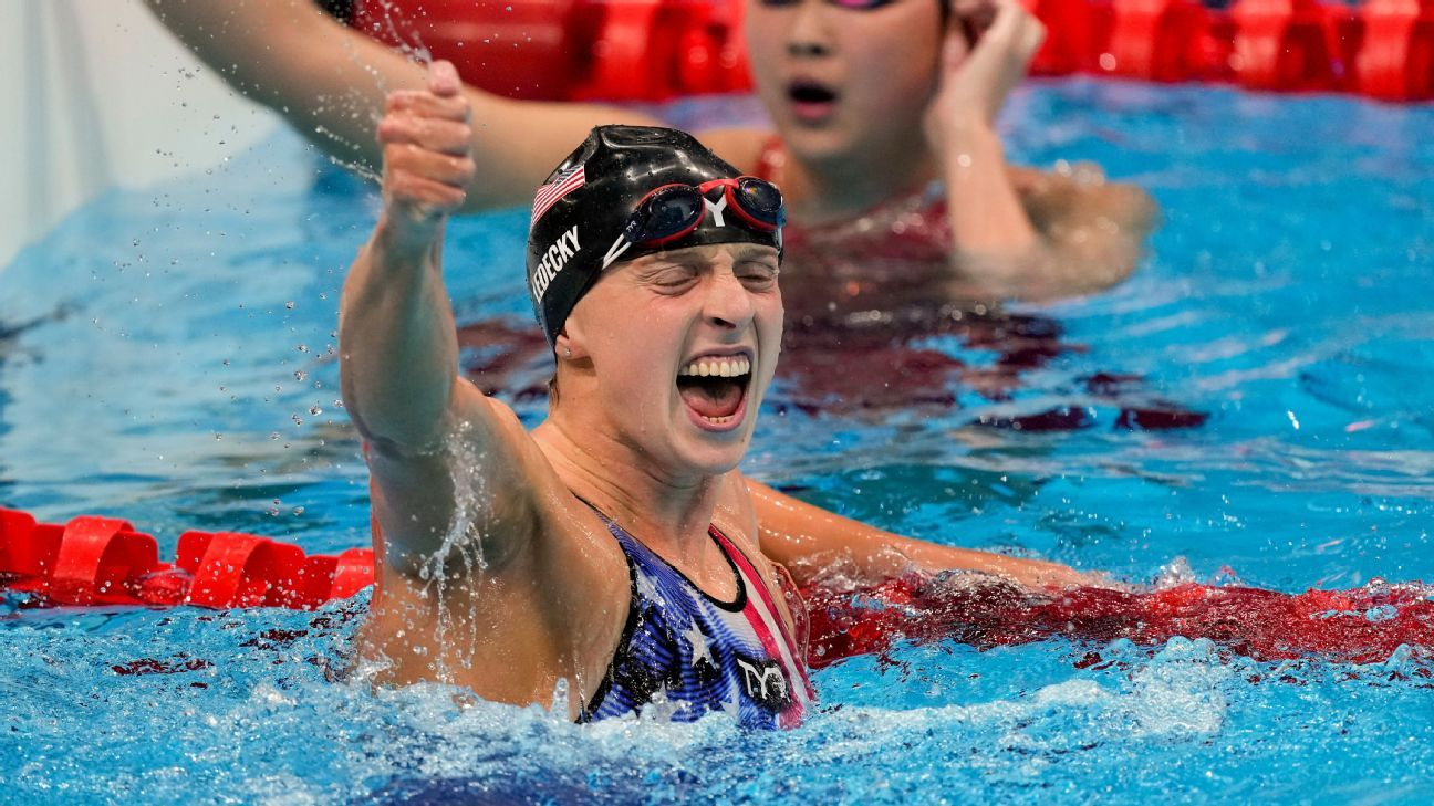Katie Ledecky wins gold in women's 1,500-meter freestyle after placing 5th in 200 free