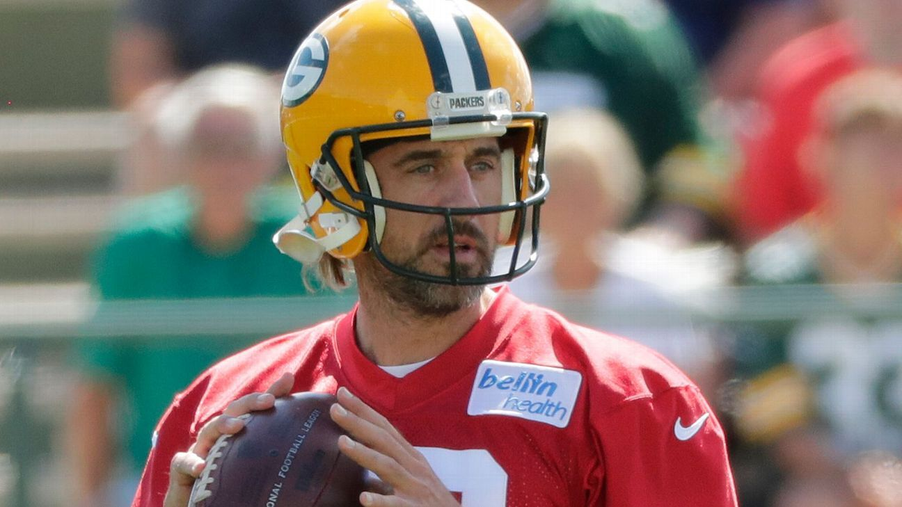 Best of Friday at NFL training camps: Rodgers' new ride, 'Baby LeBron' in Carolina