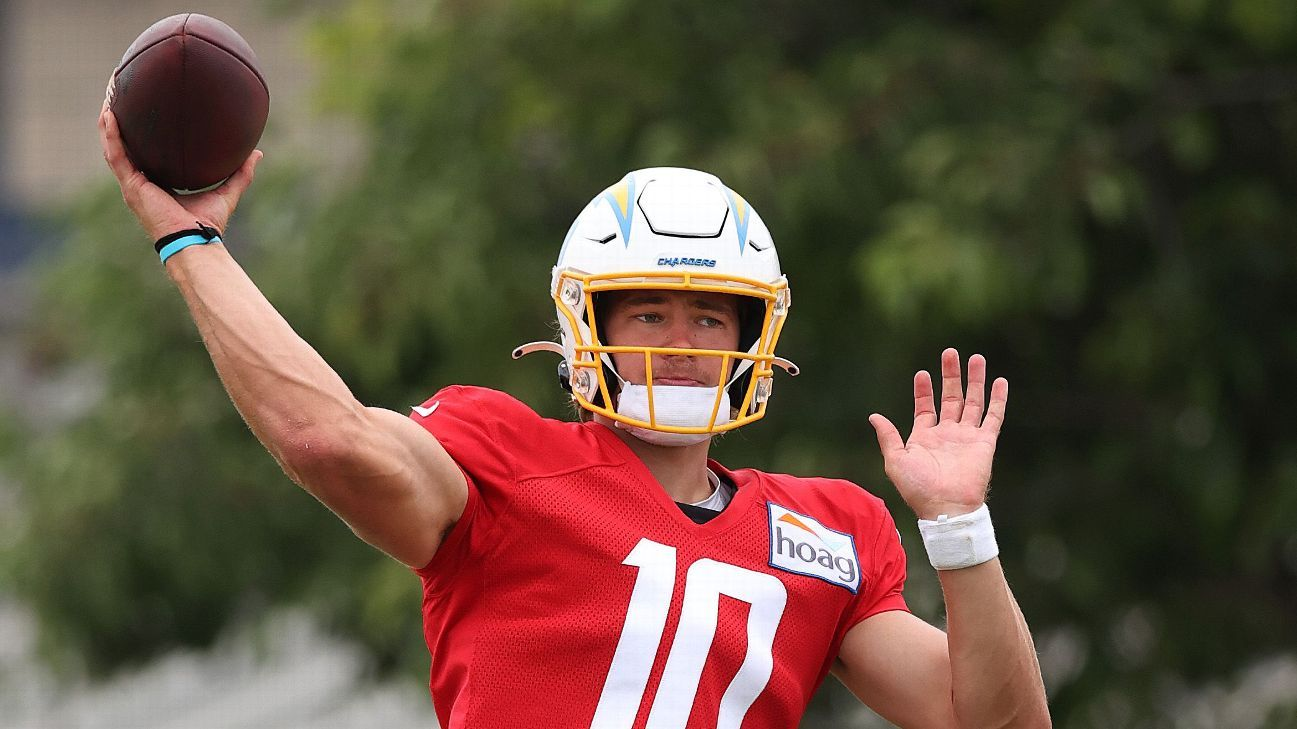NFL training camps - Updates, fantasy football intel and nuggets from Cowboys, Raiders, Chargers, Rams and Dolphins visits
