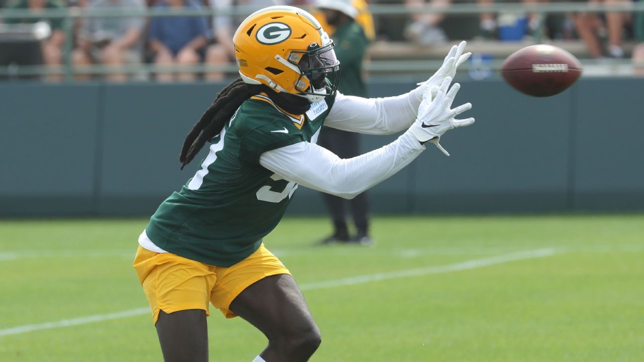 Packers to place OLB Smith on IR with back issue